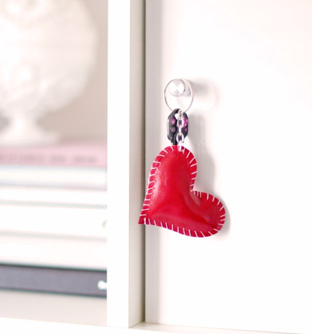 DIY Valentines Day Gifts for Her - DIY Leather Heart Key Ring- Cool and Easy Things To Make for Your Wife, Girlfriend, Fiance - Creative and Cheap Do It Yourself Projects to Give Your Girl - Ladies Love These Ideas for Bath, Yard, Home and Kitchen, Outdoors - Make, Don't Buy Your Valentine http://diyjoy.com/diy-valentines-gifts-her