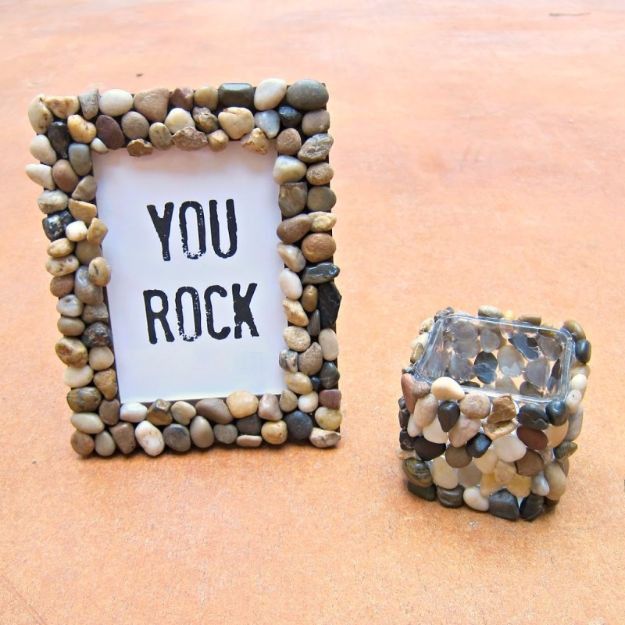 DIY Valentines Day Gifts for Him - DIY Rocky Picture Frame - Cool and Easy Things To Make for Your Husband, Boyfriend, Fiance - Creative and Cheap Do It Yourself Projects to Give Your Man - Ideas Guys Love These Ideas for Car, Yard, Home and Garage - Make, Don't Buy Your Valentine http://diyjoy.com/diy-valentines-gifts-him