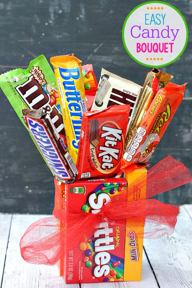 DIY Valentines Day Gifts for Her - Easy Candy Bar Bouquet - Cool and Easy Things To Make for Your Wife, Girlfriend, Fiance - Creative and Cheap Do It Yourself Projects to Give Your Girl - Ladies Love These Ideas for Bath, Yard, Home and Kitchen, Outdoors - Make, Don't Buy Your Valentine http://diyjoy.com/diy-valentines-gifts-her