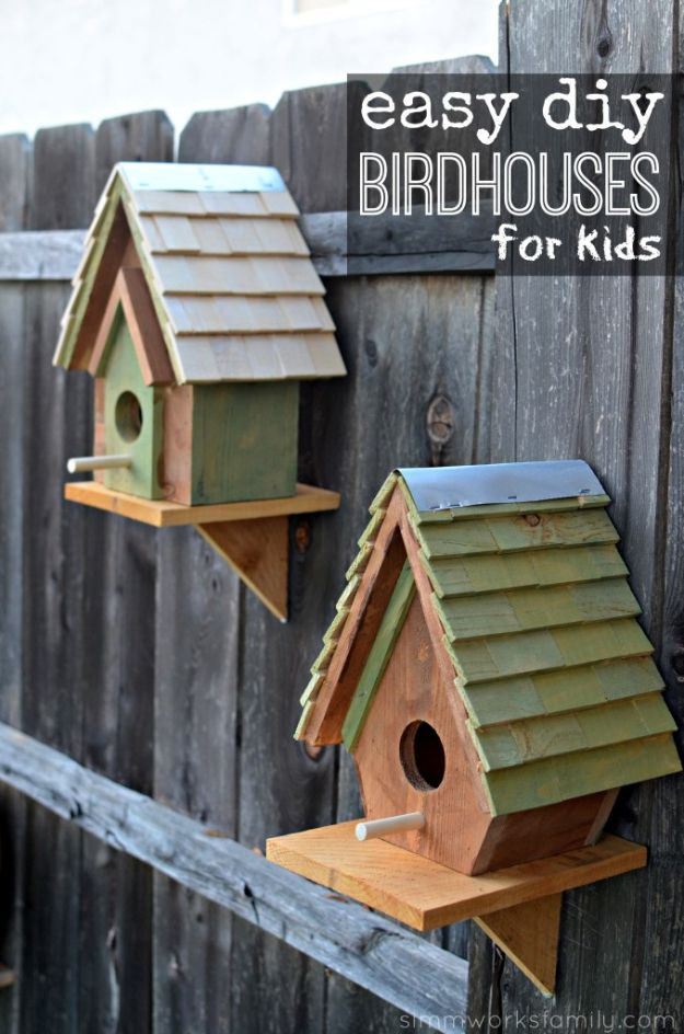 DIY Bird Houses - Easy DIY Birdhouses For Kids - Easy Bird House Ideas for Kids and Adult To Make - Free Plans and Tutorials for Wooden, Simple, Upcyle Designs, Recycle Plastic and Creative Ways To Make Rustic Outdoor Decor and a Home for the Birds - Fun Projects for Your Backyard This Summer http://diyjoy.com/diy-bird-houses