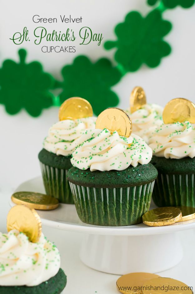 St Patrick's Day Food and Recipe Ideas - Green Velvet St. Patrick's Day Cupcakes - DIY St. Patrick's Day Party Recipes for Dinner, Desserts, Cookies, Cakes, Snacks, Dips and Drinks - Green Shamrocks, Leprechauns and Cute Party Foods - Easy Appetizers and Healthy Treats for Adults and Kids To Make - Potluck, Crockpot, Traditional and Corned Beef http://diyjoy.com/st-patricks-day-recipes