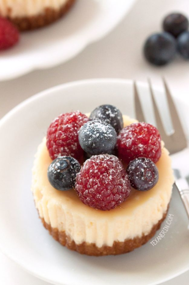 Gluten Free Desserts - Gluten Free Mini Cheesecakes - Easy Recipes and Healthy Recipe Ideas for Cookies, Cake, Pie, Cupcakes, Cheesecake and Ice Cream - Best No Sugar Glutenfree Chocolate, No Bake Dessert, Fruit, Peach, Apple and Banana Dishes - Flourless Christmas, Thanksgiving and Holiday Dishes http://diyjoy.com/gluten-free-desserts