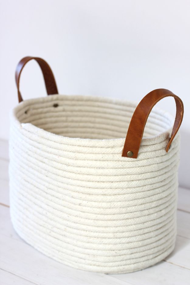 No Sew DIY Home Decor Ideas - DIY No-Sew Rope Coil Basket - Easy No Sew Projects to Make for Bedroom,. Kitchen, Bath - Crafts to Make and Sell, Blankets, No Sewing Project Ideas