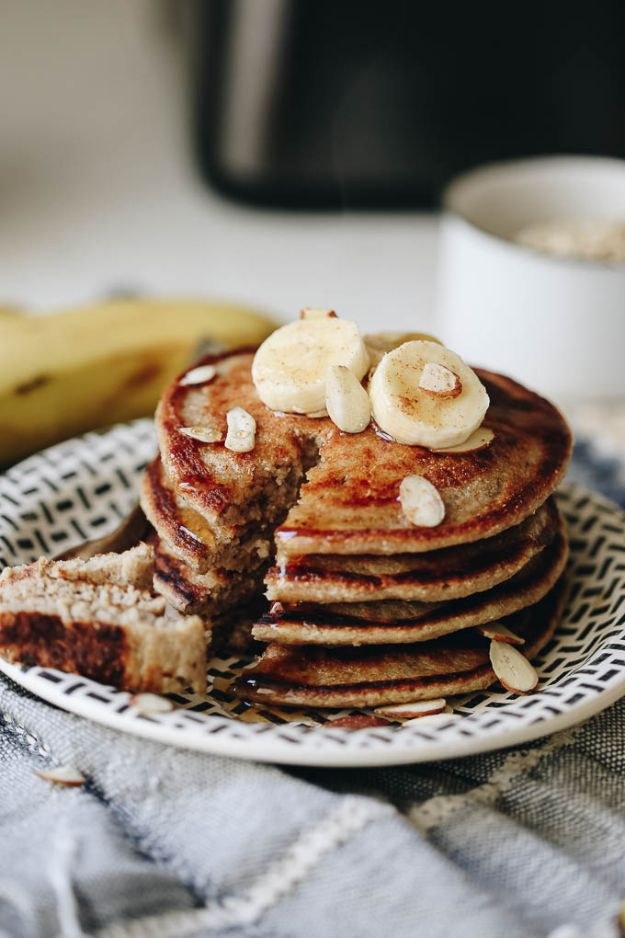 Best Pancake Recipes - Banana Oatmeal Blender Pancakes - Homemade Pancakes With Banana, Berries, Fruit and Maple Syrup - How To Make Pancake Mix at Home - Gluten Free, Low Fat and Healthy Recipes - Breakfast and Brunch Recipe Ideas - Silver Dollar, Buttermilk, Make Ahead and Quick Versions With Strawberries and Blueberries #pancakes #pancakerecipes #recipeideas #breakfast #breakfastrecipes http://diyjoy.com/pancake-recipes