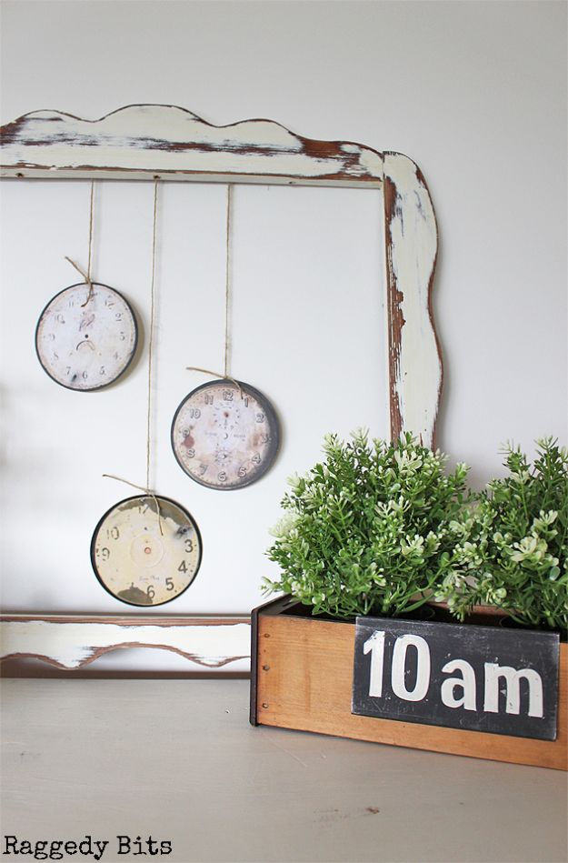 DIY Ideas With Old CD - DIY Vintage Farmhouse Clock Faces - Recycle Jewelry, Room Decoration Mosaic, Coasters, Garden Art and DIY Home Decor Using Broken DVD - Photo Album, Wall Art and Mirror - Cute and Easy DIY Gifts for Birthday and Christmas Holidays http://diyjoy.com/diy-ideas-old-cd-compact-disc