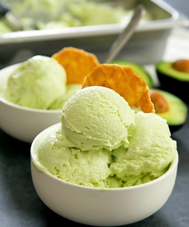 Avocado Recipes - No Churn Avocado Ice Cream - Quick Avocado Toast, Eggs, Keto Guacamole, Dips, Salads, Healthy Lunches, Breakfast, Dessert and Dinners - Party Foods, Soups, Low Carb Salad Dressings and Smoothie http://diyjoy.com/avocado-recipes