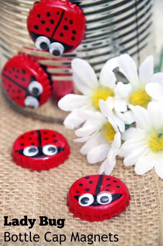 DIY Bottle Cap Crafts - Bottle Cap Magnet Lady Bugs - Make Jewelry Projects, Creative Craft Ideas, Gift Ideas for Men, Women and Kids, KeyChains and Christmas Ornaments, Presents http://diyjoy.com/diy-projects-bottle-caps