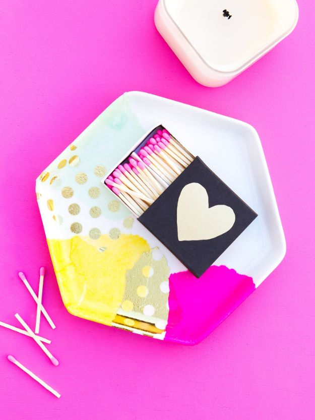 Cheap Last Minute Gifts DIY - DIY Decoupage Trinket Tray - Inexpensive DIY Gift Ideas To Make On A Budget - Homemade Christmas and Birthday Presents to Make For Mom, Dad, Daughter & Son, Kids, Friends and Family - Cool and Creative Crafts, Home Decor and Accessories, Fun Gadgets and Phone Stuff - Quick Gifts From Dollar Tree Items http://diyjoy.com/cheap-last-minute-gifts