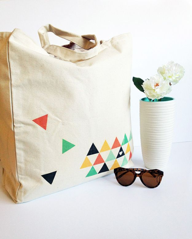 DIY Shopping Bags - DIY Geometric Printed Tote Bag - Drawstring Bag Tutorials - How To Make A Shopping Bag - Use Fabric Scraps, Old Denim Jeans, Upcycled Items - Cute Monogrammed Ideas, Painted Bags and Sewing Tutorials for Beginners http://diyjoy.com/diy-drawstring-bags