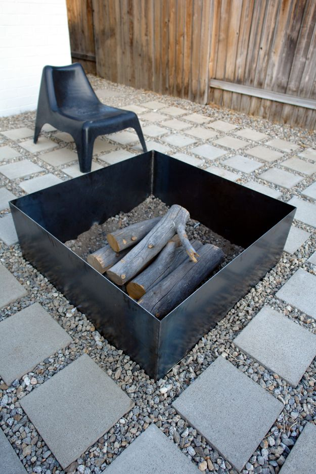 DIY Firepits - Simple Metal Fire Pit - Step by Step Tutorial for Raised Firepit , In Ground, Portable, Brick, Stone, Metal and Cinder Block Outdoor Fireplace - Add Seating to Your Patio and yard With An Inexpensive Firepit http://diyjoy.com/diy-firepits