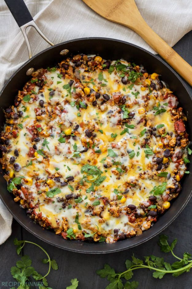 Ground Turkey Recipes - Turkey Taco Quinoa Skillet - Healthy and Easy Turkey Recipe Ideas for Dinner, Lunch, Snack - Quick Crockpot and Instant Pot, Casserole, Meatballs, Pasta and Burgers - Keto Friendly and Low Carb, Paleo, Gluten Free http://diyjoy.com/ground-turkey-recipes