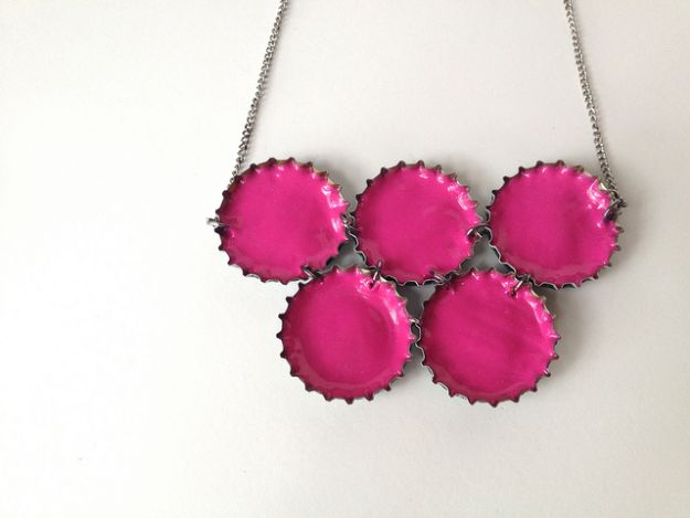 DIY Bottle Cap Crafts - Upcycled Neon Necklace - Make Jewelry Projects, Creative Craft Ideas, Gift Ideas for Men, Women and Kids, KeyChains and Christmas Ornaments, Presents http://diyjoy.com/diy-projects-bottle-caps