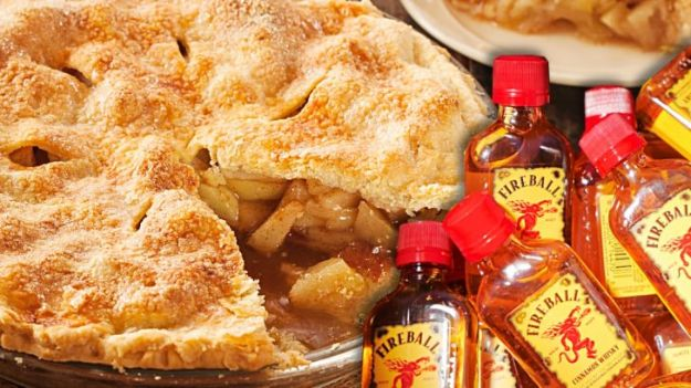 Fireball Whiskey Recipes - Fireball Whisky Apple Pie- Fire ball Whisky Recipe Ideas - Pie, Desserts, Drinks, Homemade Food and Cocktails - Easy Treats and Christmas Dishes #fireball #bestrecipes https://diyjoy.com/fireball-whiskey-recipes