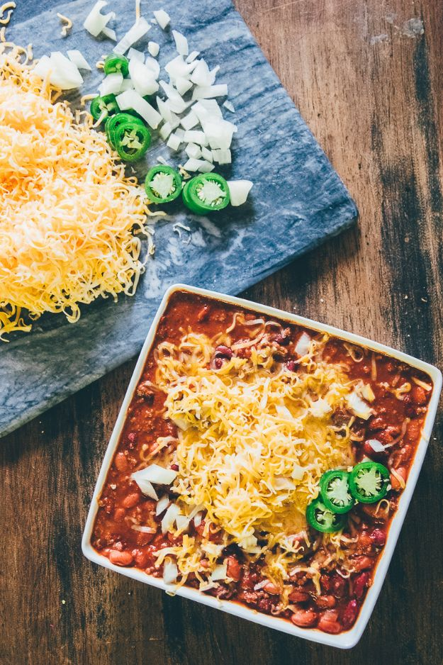Chili Recipes - Spicy Crock Pot Chili - Easy Crockpot, Instant Pot and Stovetop Chili Ideas - Healthy Weight Watchers, Pioneer Woman - No Beans, Beef, Turkey, Chicken https://diyjoy.com/chili-recipes