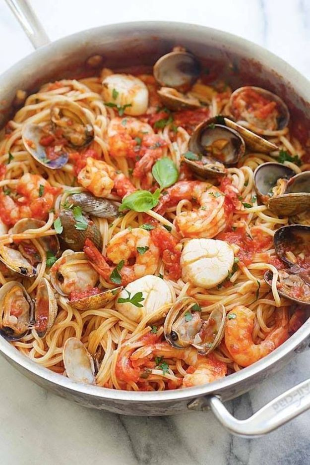 Potluck Recipe Ideas - One Pot Seafood Pasta - Easy Recipes to Take To Potlucks - Dinner Casseroles, Salads, One Pot Meals, Pasta Dishes, Quick Crockpot Recipes