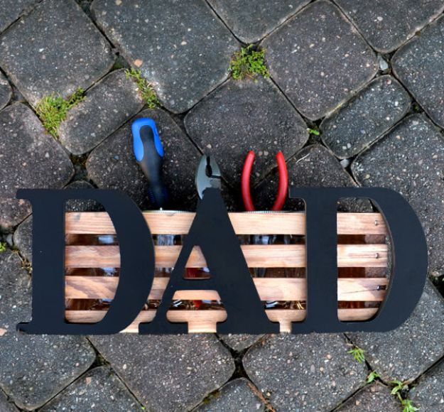 DIY Fathers Day Gifts - Father's Day Crate Project - Homemade Presents and Gift Ideas for Dad - Cute and Easy Things to Make For Father