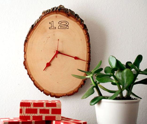 DIY Clocks - Wood Slice Clock - Easy and Cheap Home Decor Ideas and Crafts for Wall Clock - Cool Bedroom and Living Room Decor, Farmhouse and Modern