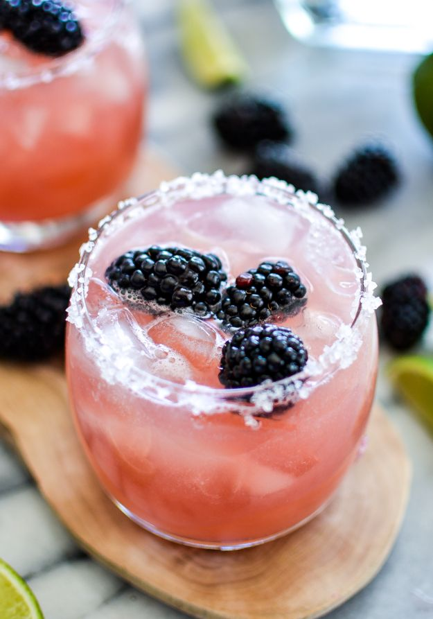 Margarita Recipes - Blackberry Lime Margaritas - Drink Recipes for a Party - Recipe Ideas for Blender Margaritas - Lime, Strawberry, Fruit | Easy Drinks With Tequila
