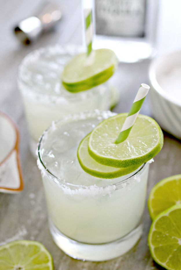 Margarita Recipes - Homemade Fresh Margarita - Drink Recipes for a Party - Recipe Ideas for Blender Margaritas - Lime, Strawberry, Fruit | Easy Drinks With Tequila