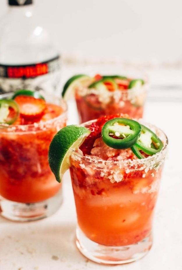 Margarita Recipes - Strawberry Jalapeno Margaritas - Drink Recipes for a Party - Recipe Ideas for Blender Margaritas - Lime, Strawberry, Fruit | Easy Drinks With Tequila