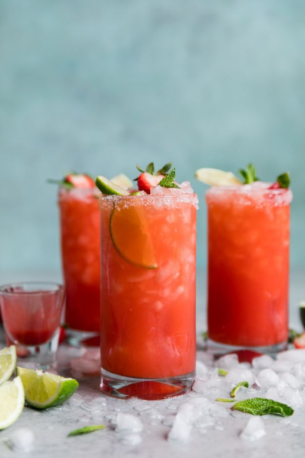 Margarita Recipes - Strawberry Mint Margaritas - Drink Recipes for a Party - Recipe Ideas for Blender Margaritas - Lime, Strawberry, Fruit | Easy Drinks With Tequila
