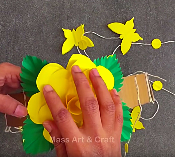 Learn To Make A DIY Paper Mobile