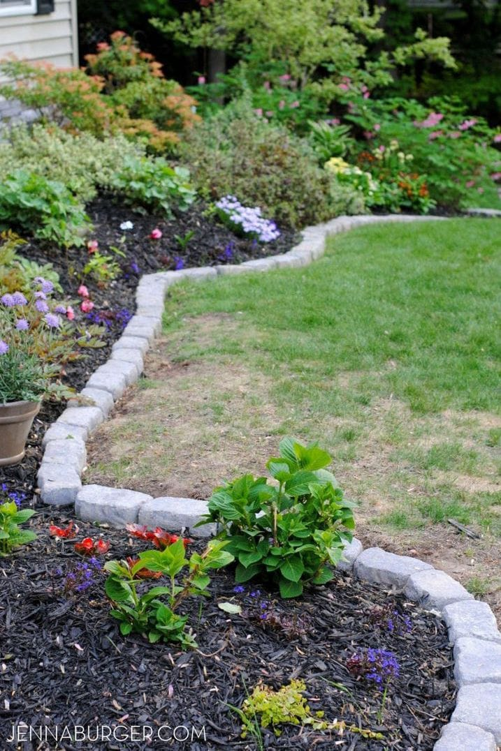 30+ Simple Front Yard Landscaping Ideas On a Budget - DIY ... on Backyard Lawn Designs  id=41567