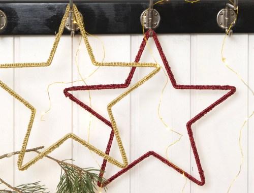 Návod na netradičný háčkovaný vianočný veniec