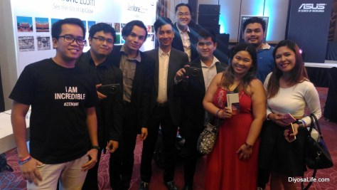 Davao Bloggers with the Asus Team at the Asus Zenfone Zoom Launch