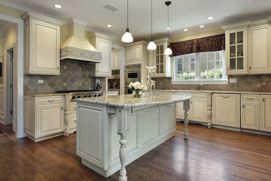 How To Paint Kitchen Cabinets Like A Pro Diy Painting Tips