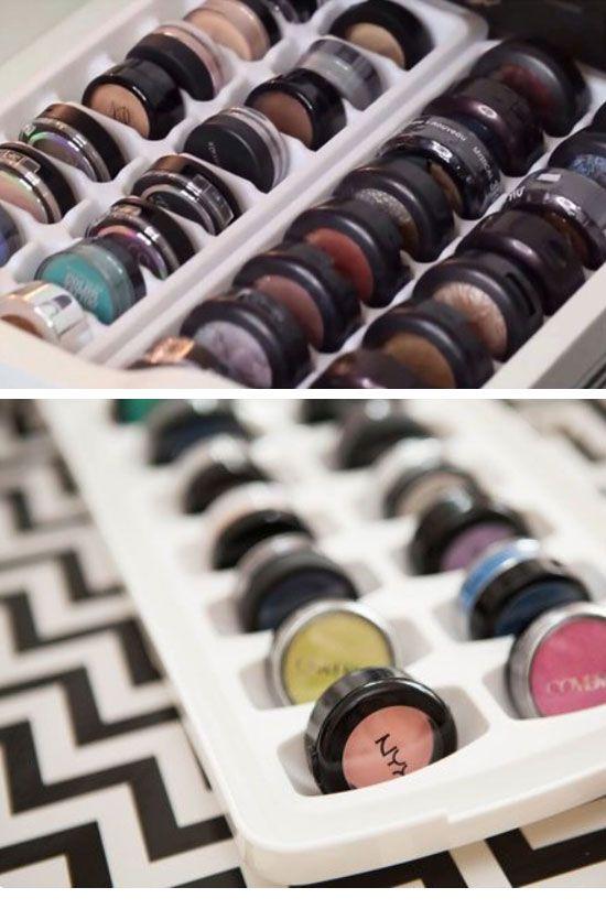 Organize Eye Shadow in an Ice Tray   18 18 Easy Makeup Organization Hacks Bedroo...