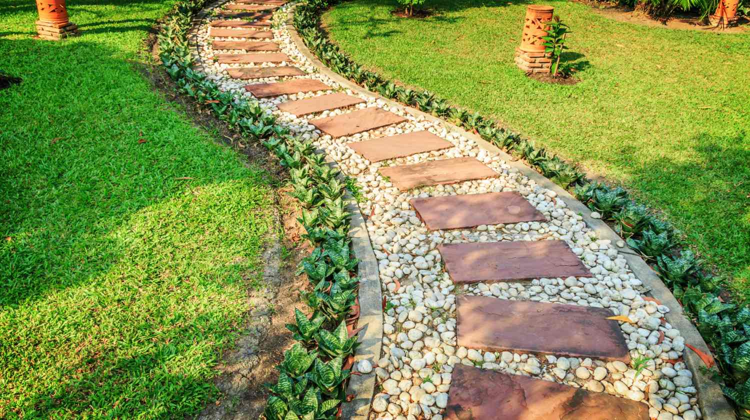 Stunning DIY Walkway Ideas That Are Totally Captivating ... on Backyard Walkway Ideas id=96607