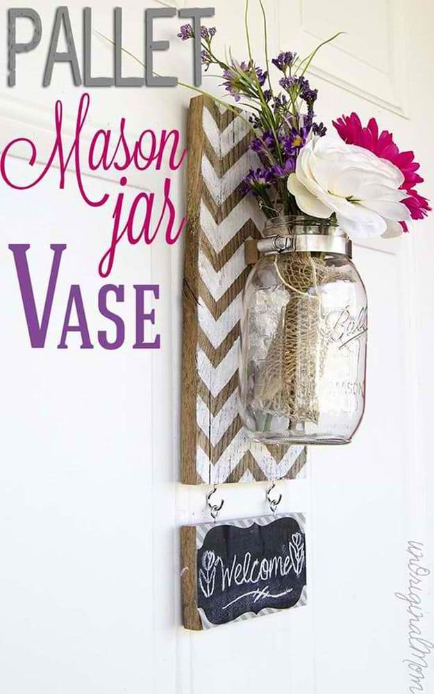 Chevron Pallet Mounted Hanging Mason Jar Vase | Easy Crafts To Make And Sell