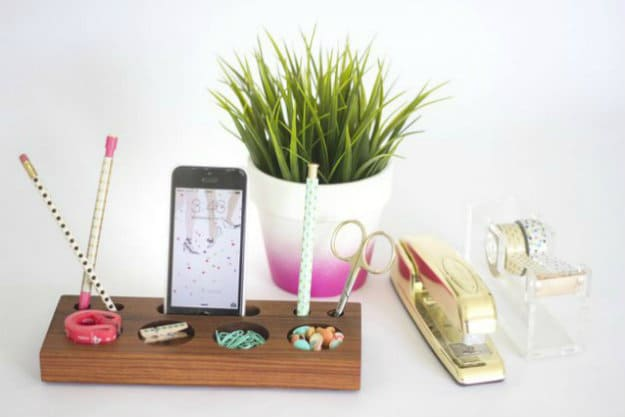 Wood Block Modern Desk Organizer | Nifty DIY Desk Organizer Ideas To Keep You Productive