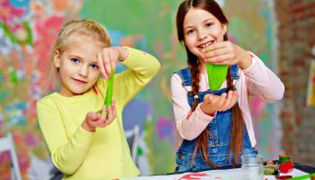 Featured   Play with slime   Simple DIY Crafts For Kids   DIY Projects To Do This Summer