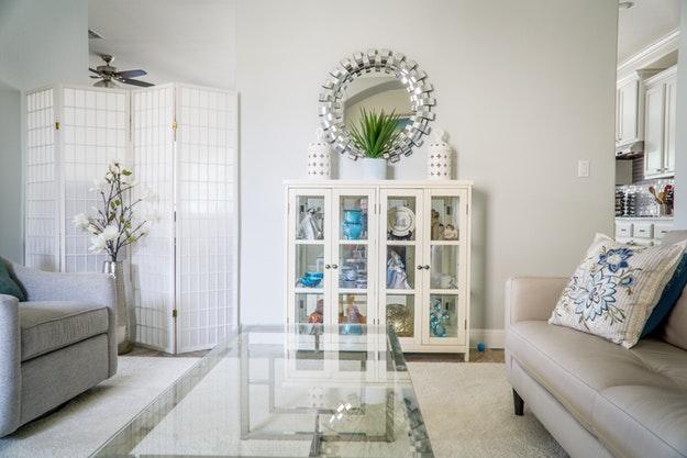 La prima proposta è un fantastico rivestimento adesivo per i mobili. 12 Diy Shabby Chic Furniture Ideas Diy Projects