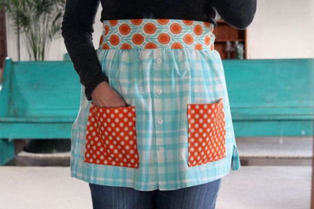DIY Ideas With Old T-shirts - Make Aprons From Shirts - Tshirt Makeovers and Transformation Ideas for Tee Shirts - DIY Clothes to Make On A Budgert - Creative and Easy Fashion Ideas for Teen Girls, Teenagers, Adults - Cut and Refashion Your Shirts With These Step by Step Tutorials #teencrafts #tshirtideas #diyclothes #fashion #crafts