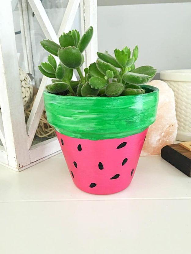 Watermelon Crafts - DIY Handgeschilderd Watermeloen Bloempot - Eenvoudige DIY-ideeën met watermeloenen - Leuke ambachtelijke projecten die coole DIY-geschenken maken - wanddecor, slaapkamerkunst, sieradenidee