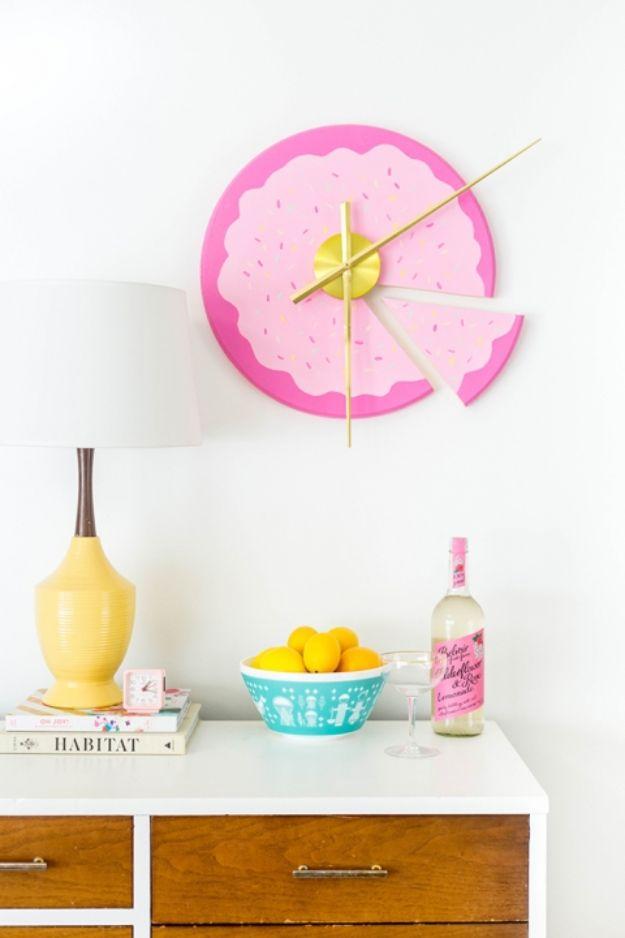 DIY Wall Art Ideas for Teens - DIY Sliced Cake Wall Clock - Teen Boy and Girl Bedroom Wall Decor Ideas - Goedkope canvas schilderijen en wandkleden voor kamerdecoratie