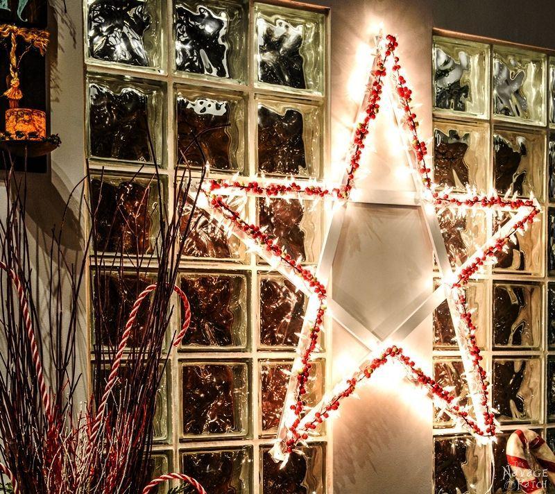 17 Creative DIY Christmas Wall Decor Ideas