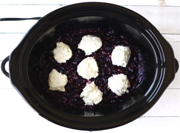 Crockpot Blueberry Cheesecake Dump Cake