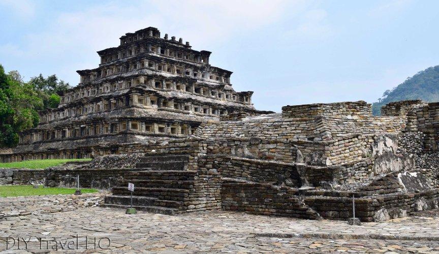 Piramide de los Nichos and Crumbling Ruins