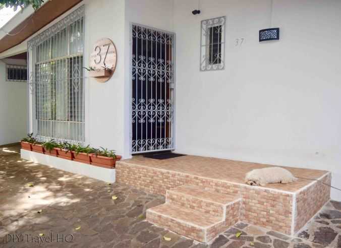 Casa 37 Hostal entrance
