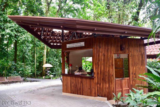 EcoTermales Towel & Locker Kiosk