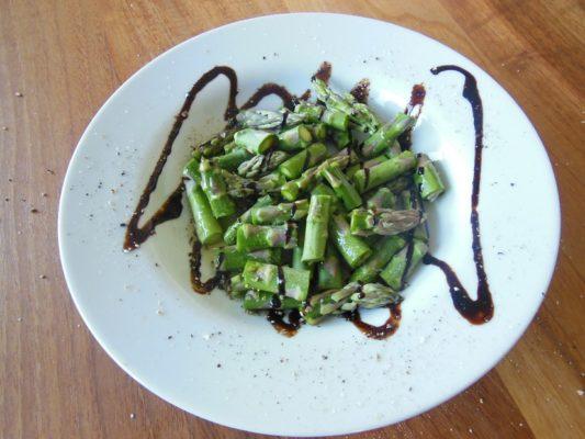 Asparagus тағамы