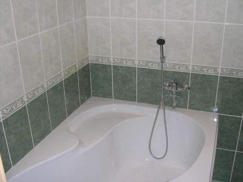 Дизайн плитки в ванной комнате: фото варианты укладки