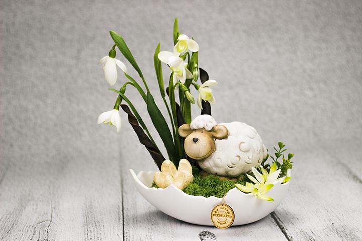 Originálne veľkonočné kvetinový dizajn.