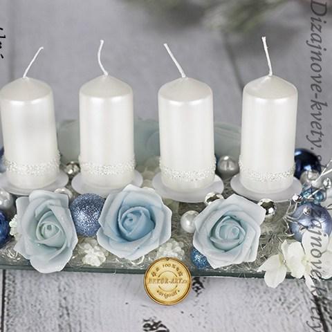 Svietnik na Vianočný stôl s ľadovými ružami.
