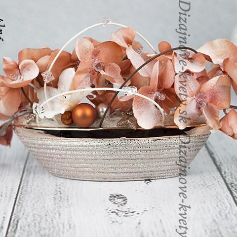 Dizajnová dekorácia na vianočný stol