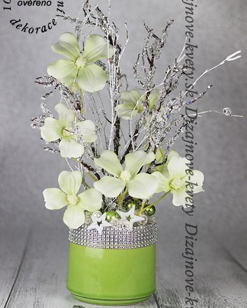 Originálne kvetinová dekorácia do bytu, domu i kancelárie.
